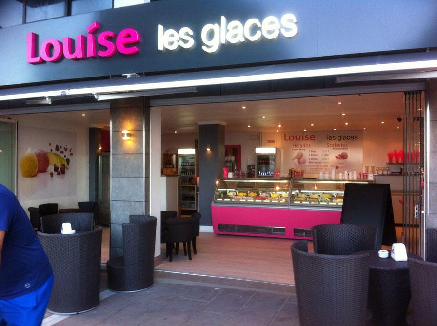 Fachada de la heladería Louise que se acaba de abrir recientemente en Estepona