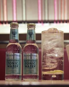 Cóctel Sake-Tonic