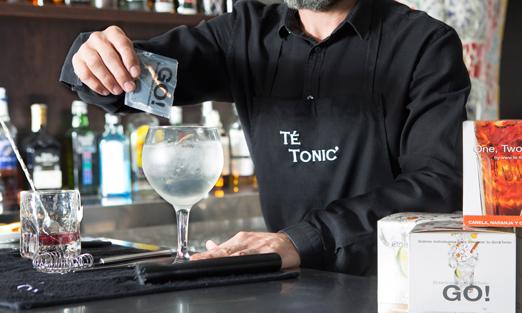 Elaborando un gin-tonic con go!