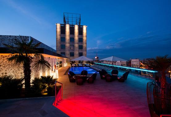 Cristales Lightinglass en la terraza del hotel Catalonia Plaza