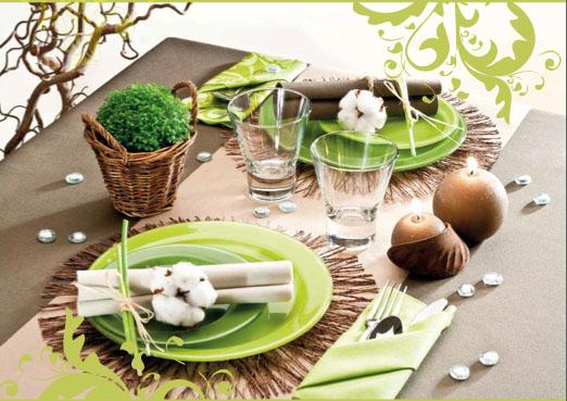 Le Nappage ofrece una amplia gama de productos desechables para vestir la mesa