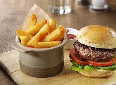 Patatas Bistro-Style con hamburguesa