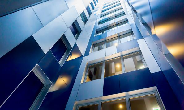 Fachada del hotel Blue de A Coruña