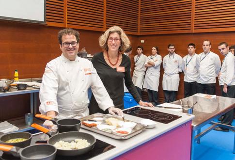 Peio Cruz y Diana Roig, en su taller sin gluten de San Sebastián Gastronomika