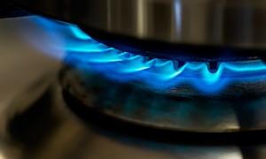 Llama de gas en la cocina