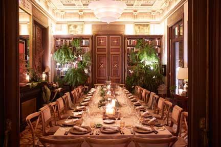 La exquisita ambientación de Zacapa Room en el Cotton House Hotel de Barcelona