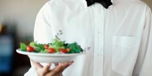 Camarero de banquetes, entre las profesiones más demandadas en 2017