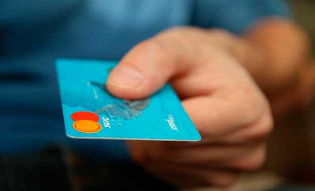 Pagando con tarjeta