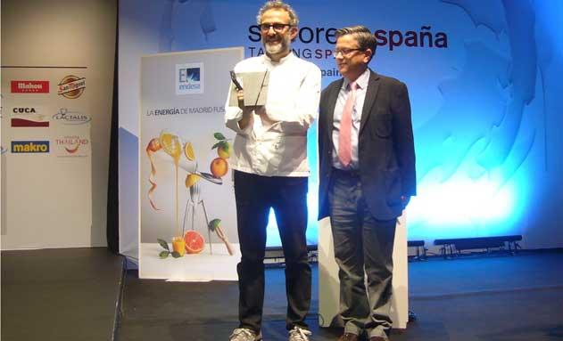 """Botttura recibe el premio al """"Cocinero del Año en Europa"""", entregado por Silestone"""
