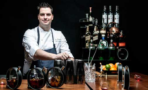 Micah Melton,, bartender de World Class by The Office