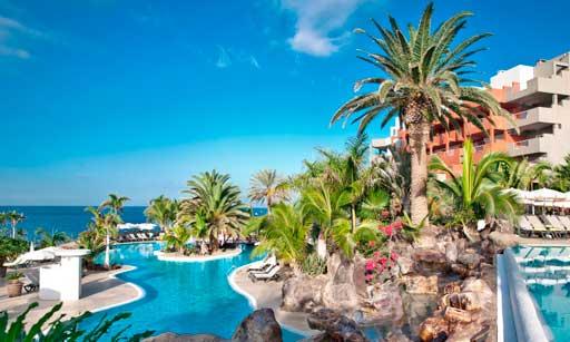 Vista de la piscina del Gran Hotel Roca Nivaria