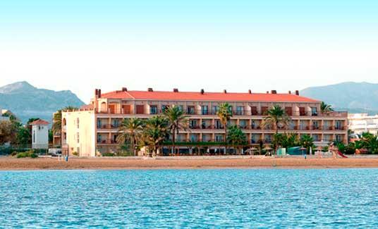 El hotel Los Ángeles, de Denia, visto desde el mar