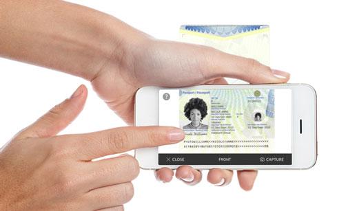 Con esta funcionalidad de Hotel Manager, desde la propia app del hotel el cliente podrá escanear su documento de identidad cuando y donde desee