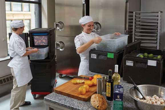 Contenedores Cam GoBox en una cocina