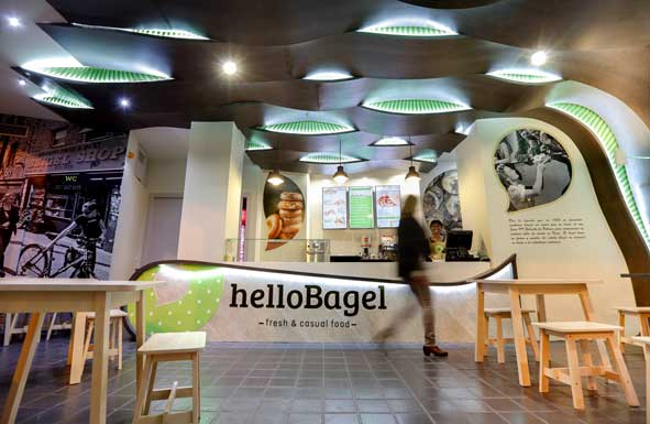 Intrior de un local helloBagel