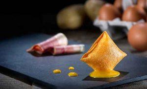 Pintxo de Huevo Frito con patatas y bacon, de La Cocina de Senén