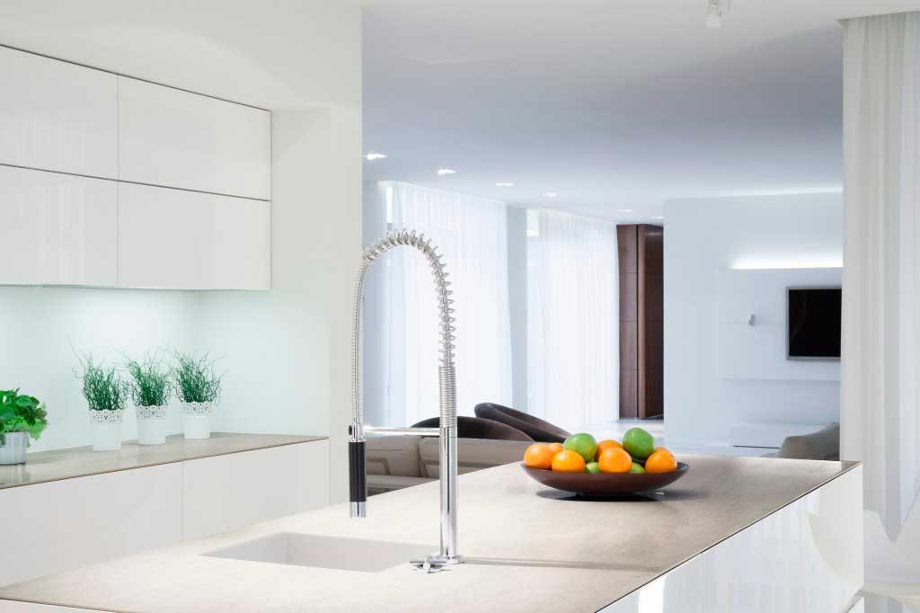El blanco luminoso de Blanc Concrete queda perfecto en cocinas