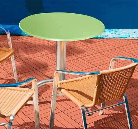 El color reina en las mesas de la colección Scena Vivo