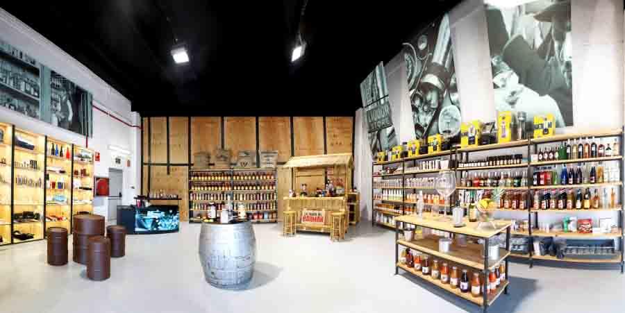 Panorámica del local físico de La Tienda del Barman en Sant Boi de Llobregat (Barcelona