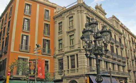 Fachada del Hotel Inetrnacional de Barcelona