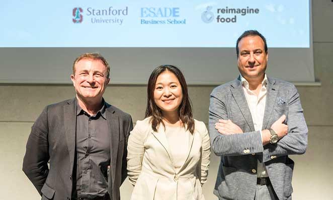 Los ponentes de la sesión sobre innovación alimentaria: Esteve Almirall, Soh Kim y Marius Robles