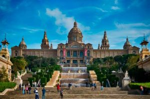 Situado en Montjuic, el MNAC ofrece unas vistas privilegiadas de Barcelona
