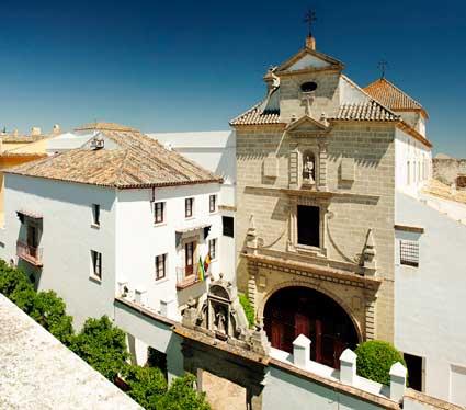 Fachada del hotel Monasterio San Miguel