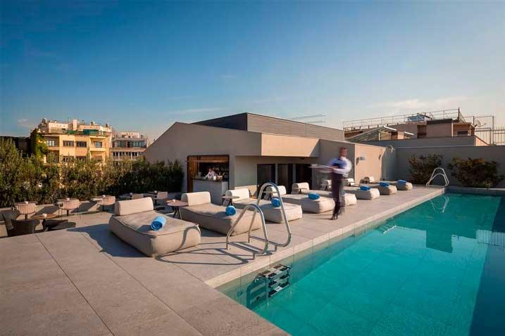 La terraza chill out del hotel Ohla Eixample