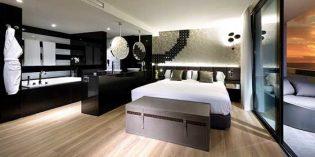 Flintiles: el mismo suelo, incluido el plato de ducha, en la habitación y baño del hotel
