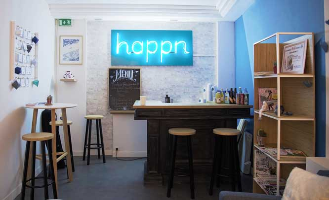 Interior del Happn Café