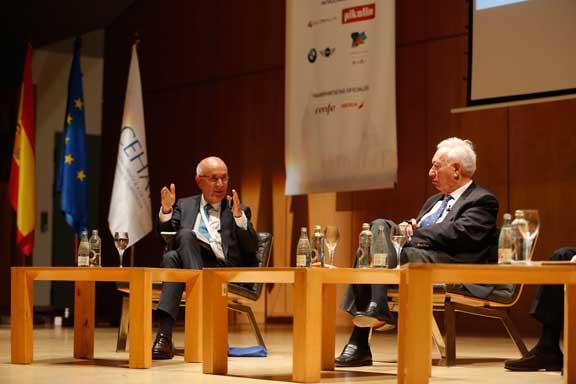 García Margallo en el congreso de hoteleros españoles