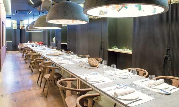 La mesa infinita del restaurante Adunia