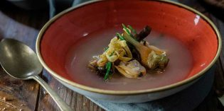 Corazón de alcachofas con almejas de carril: cocina de temporada con Unilever Food Solutions