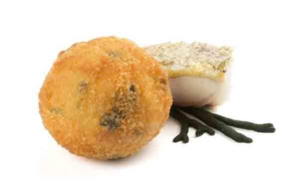 Croqueta de merluza y alga Codium de Koama
