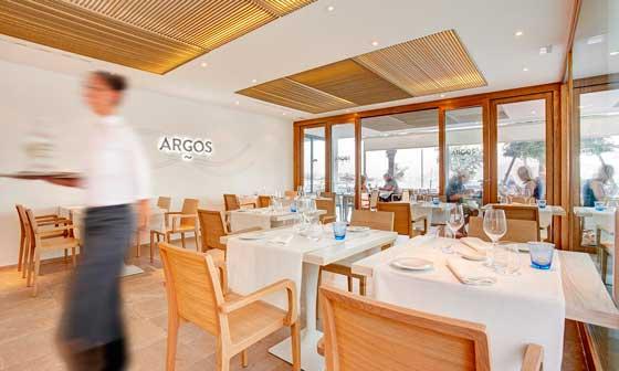 Sala del restaurante Argos, en el hotel La Goleta, en Port de Pollença (Mallorca)