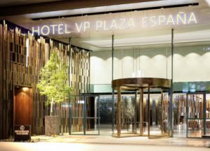 Entrada del hotel VP Plaza España,