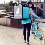 Deliveroo se diversifica: ahora ofrece servicio de habitaciones en hoteles y catering para eventos
