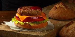 Burger de Contrabando Chousa: pan de hamburguesa con aroma ahumado