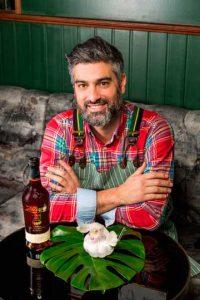 El bartender Diego Cabrera