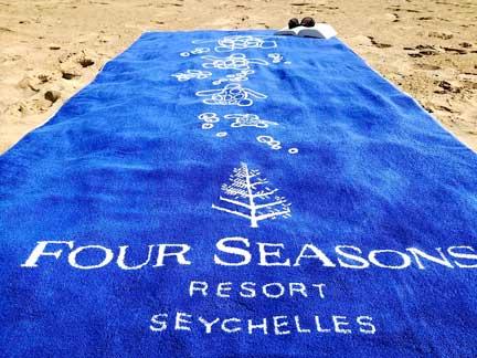 Toalla de baño diseñada por Resuinsa para el Four Seasons Seychelles