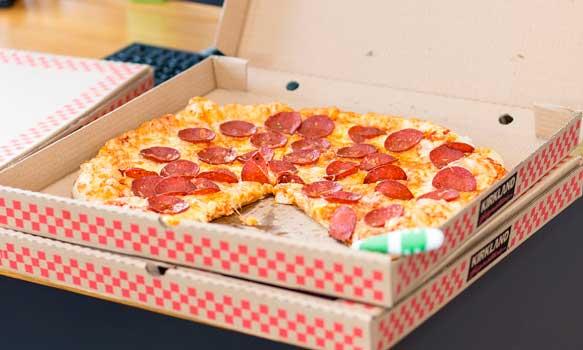 Pizza en cajas