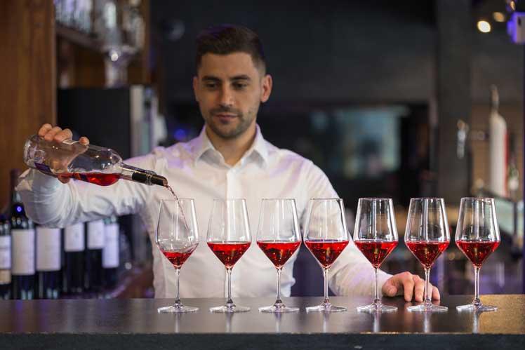 Doña Perfecta 7GB permite obtener 7 copas de vino por cada botella de 75 cl.
