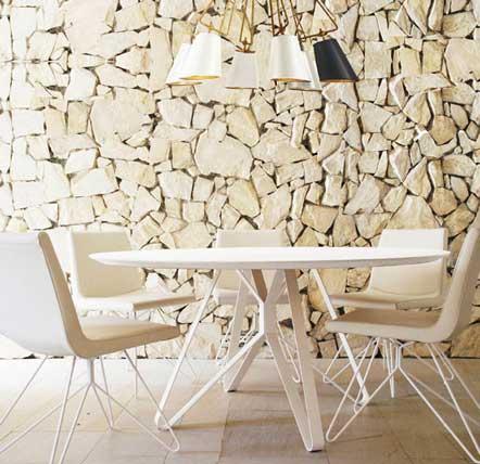 Conjunto de sillas y mesas Libélula de Vergés