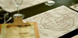 La Pajarita presenta las nuevas tendencias en servilletas y manteles de un solo uso