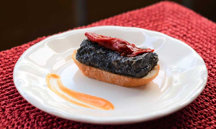 Pincho de merluza negra con piquillo