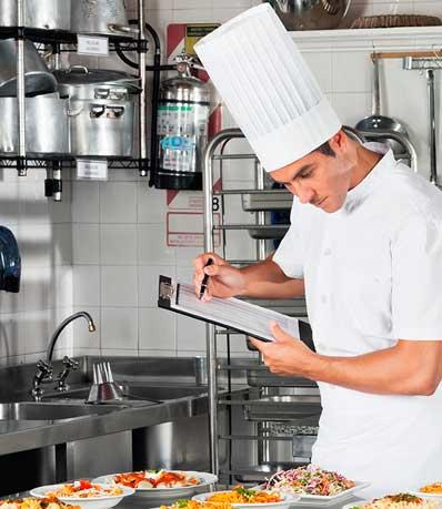Chef en una cocina