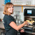 Vídeo: las numerosas posibilidades del horno de cocción acelerada Merrychef