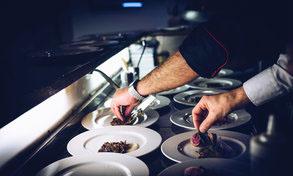 Chef trabajando en un restaurante