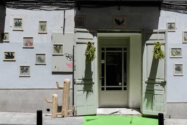 La fachada de Herederos Crispín, encuadernadores de arte