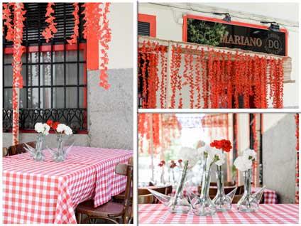 Imágenes de la fachada pop-op de La Taberna Mariano